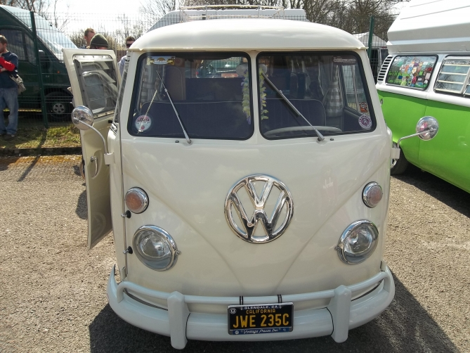Would be a perfect wedding splitty!
