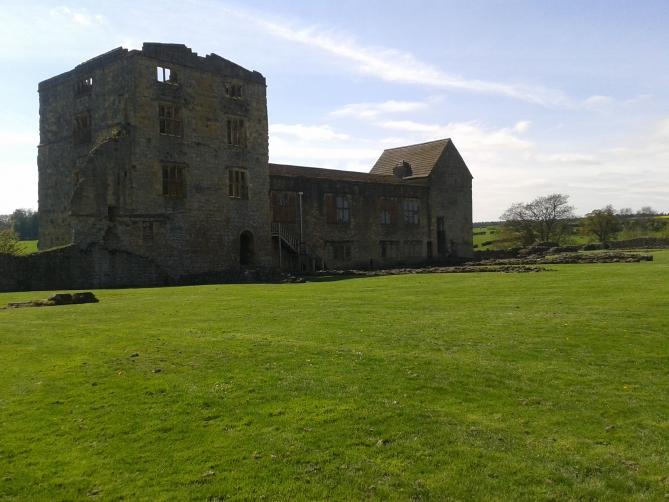 Helmsley Castle 4