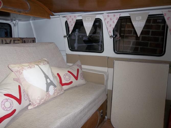 VW-Splitscreen-Camper-Resto-Inside-1