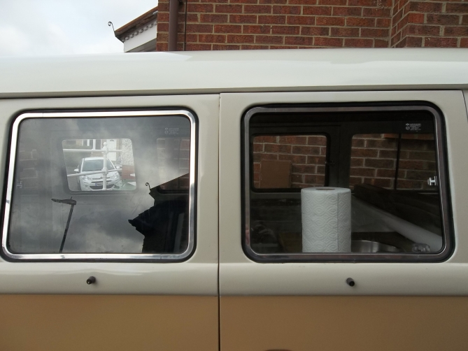 VW-Splitscreen-Camper-Resto-Inside-25