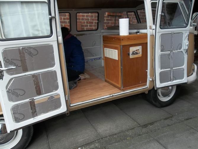 VW-Splitscreen-Camper-Resto-Inside-26