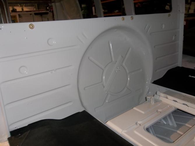 VW-Splitscreen-Camper-Resto-Inside-38
