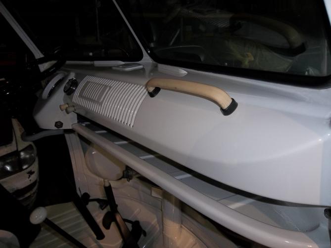 VW-Splitscreen-Camper-Resto-Inside-41