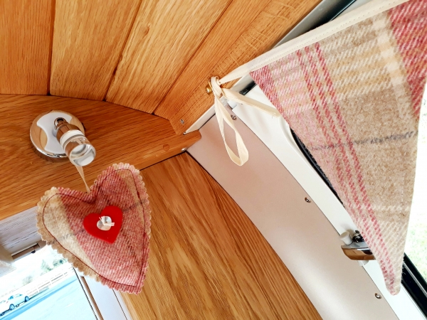 Moon_Fabric_Bunting_and_Heart