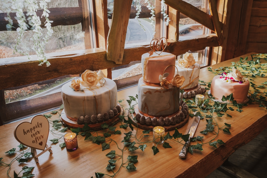 Wedding Cake in a treehouse on an perfect Autumn day within Alnwick Garden